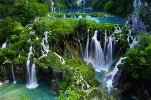 Plitvice-Lakes-National-Park-lead